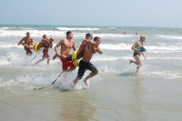 surf-life-saving-rescue-tube-race